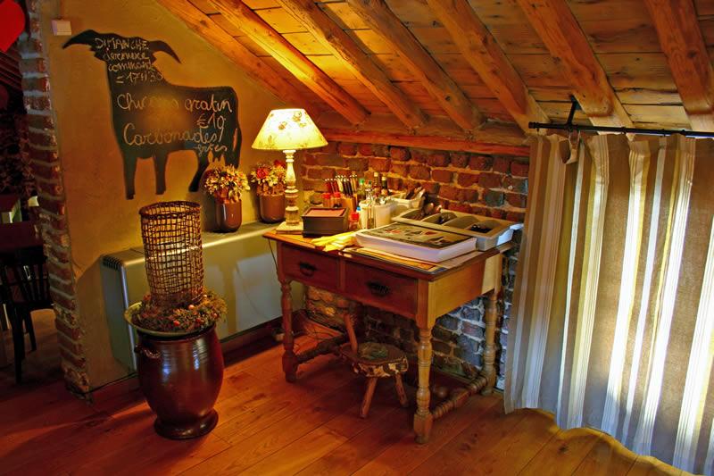 Vakantiewoningen ennal grand halleux petit restaurant for Petit restaurant